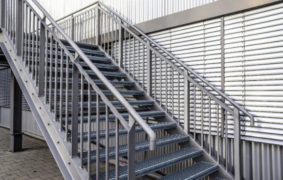 pose escalier extérieure